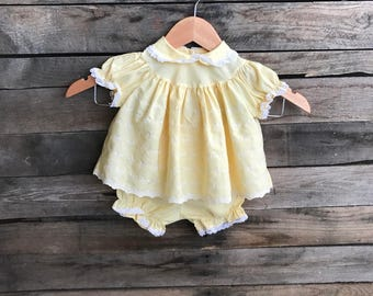 Vintage Children's Yellow & White Eyelet Dress with White Lace Trim Size 18 Months