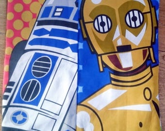 c3po and R2D2 Star wars character print cushion cover pillow cotton gamer geek gift