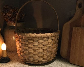 Primitive Bucket Basket, primitive decor, farmhouse style, country rustic, round basket