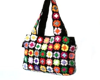 Colorful shoulder handbag, boxy granny square bag, crochet bag, black multicolor flowers purse, fashion chic shoulder bag, medium size purse