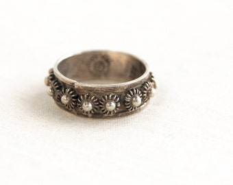 Vintage Mexican Ring Sterling Silver Sea Urchin Band Size 6 .25 Mexico Flower Ring