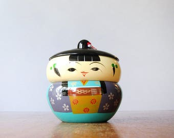 Vintage Japanese Lacquerware Figural / Giesha Girl Box Excellent