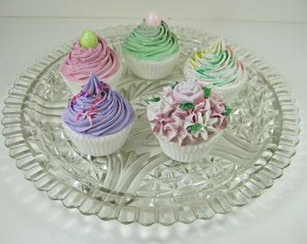 Vintage STARS & BARS CAKE Plate Scallop Rim Starbursts Anchor Hocking Glass Platter Pastry Display