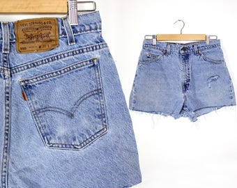 Vintage Retro Light Jean Levis High Waisted Cut Off Shorts Size 30
