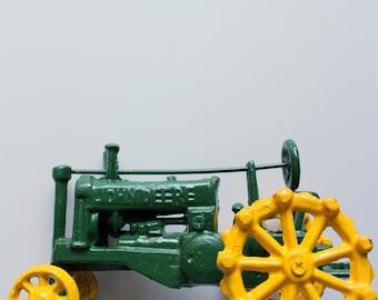 Vintage Cast Iron John Deere Tractor