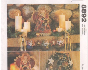 1997 - McCalls 8892 Vintage Sewing Pattern Crafts Country Rustic Angel Christmas Ornament Wreath Garland Stocking Tree Topper Centerpiece
