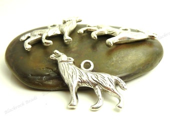 Bulk 18 Wolf Charms ( Double Sided ) - 26x18mm - Antique Silver Tone Metal - BC23