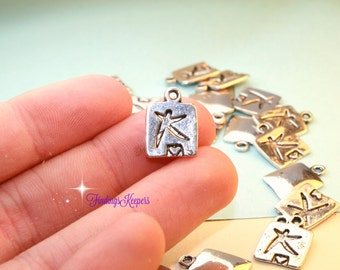 10 People Charms, Antique Silver Tone 14 x 10 mm  ts1164