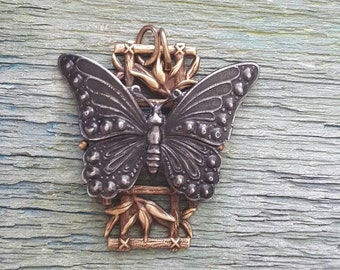 Vintaj Natural Brass + Arte Metal {Butterfly + Bamboo Artisan Pendant} DIY JEWELRY - 1 Pc / #EAM007