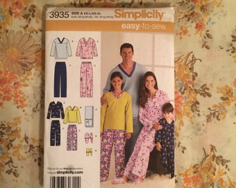 Family Pajama Sewing Pattern Simplicity 3935