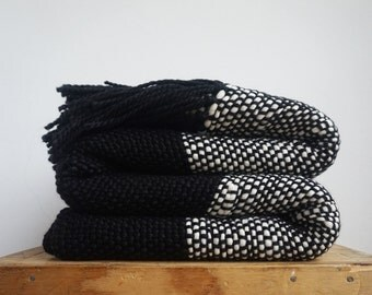 Black and white Chunky Throw Blanket Couch Cover by Texturabledecor