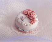 Cake with roses, pastels, miniature, dollhouse, scale1 / 12