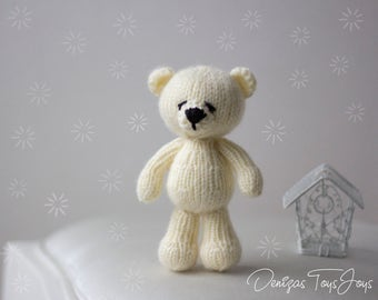 Polar bear Toy - pdf knitting pattern. Knitted in the round.  Newborn Knitting Pattern, Photo Prop Pattern, Newborn Prop Pattern