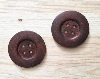 60 mm - 2 big brown wood buttons