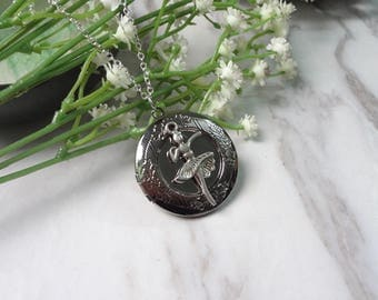 Dancing Girl Oxidized Silver Color Round Picture Locket Pendant Necklace 0338