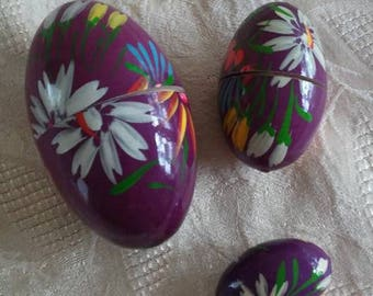 Vintage/Hand Painted/Nesting Eggs/Set of 3/Easter Eggs/Flowers/Wood Eggs