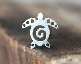 Silver Sea Turtle Tragus Earring | Cartilage Earring | Tragus Jewelry | Tragus Piercing | Conch Earring | Helix Piercing | Helix Earring