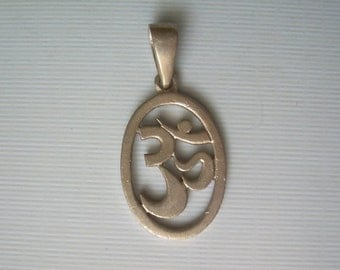 OM AUM PEACE Chant Pendant-Vintage Sterling Silver-Filigree Stencil Cut Out-Buddha Buddhism-Mens Womens Religious Enlightenment Jewelry