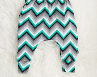 green white black grey chevron harem pants by little lapsi. ready to ship. zig zag print leggings