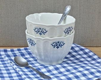 breakfast for two set, vintage French café au lait bowls, teaspoons, cotton napkins, cereal bowl, petit déjeuner, gift idea, made in France,