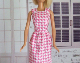Handmade, Barbie clothes, sheath dress, pink and white, houndstooth, Barbie dress, Barbie sheath, fashion doll clothes, doll dress