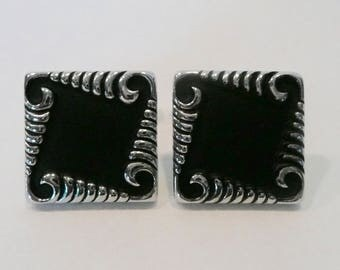 Vintage Mid Century Black And Silver Tone Cufflinks