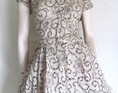 Pretty 40s 50s Novelty Floral Bouquet Eyelet  Dress / Large