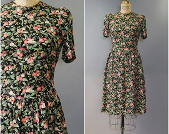 1980's does 1940's black floral dress • small
