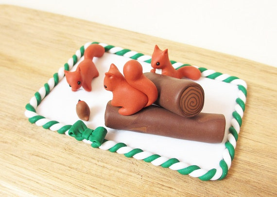 Red Squirrel and Robin Christmas Cake Topper / Red Squirrel