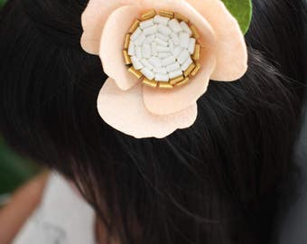 Felt flower Hair Clip  / Hair Accessory / Girls Hair Accessory / Flower Hair Clip / Flower Girl / Flower Hair / Pink Anemone / Anemone Clip