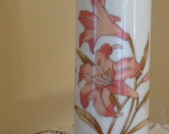 """Vintage Bud Vase with pretty peach lily design-6 1/2"""" tall Great condition."""