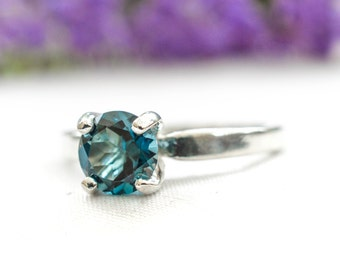 Natural London Blue Topaz Ring in 925 Sterling Silver *Free Worldwide Shipping*