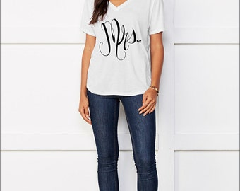 Mrs. White Tee: Comfortable Slouchy V-Neck Tee- perfect for the honeymoon and as a bachelorette gift - By Alicia Cox/ Ellafly