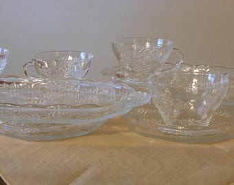 Four Vintage Indiana Glass Luncheon Plates w/ Matching Cups (Grape Pattern)