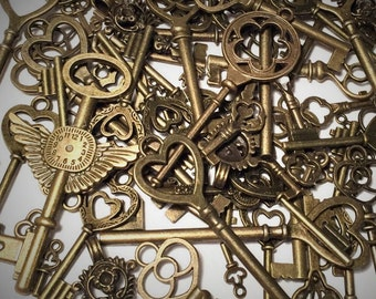 10pc Jewelry Lot of Keys Skeleton Key Pendants Antique Bronze Keys Mixed Keys Steampunk Supplies Key Charms Wedding Keys 10 Bulk Key Lot