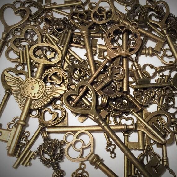 pcs jewelry lot of keys skeleton key pendants antique. Black Bedroom Furniture Sets. Home Design Ideas