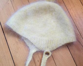 Vintage 1950s Baby Infant Girls Boys Yellow Cashmere Bonnet Winter Hat! Size 6-18 months