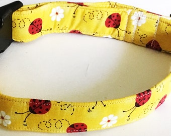 Ladybug Collar with Daisies for Dogs & Cats