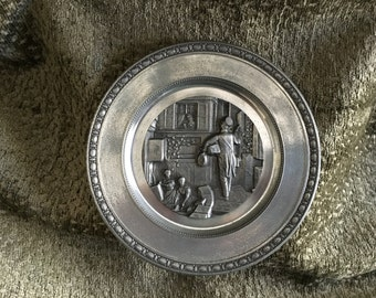Zinn Giesser Innung Pewter Wall Plate, Embossed  Pattern,  Pewter Wall Plate, Germany, Hanger on Back, Collectible Wall Plate