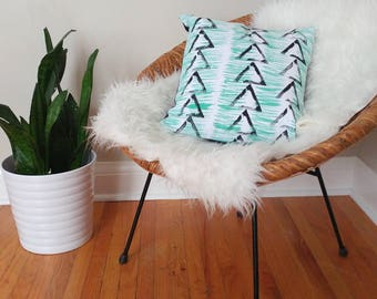 Hand painted graphic pillow cover - brushstroke - triangle - block printed - linen pillow - mint green - grey - white