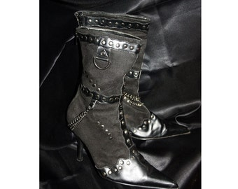90s/00s Black Chain Stud Pointy Boots