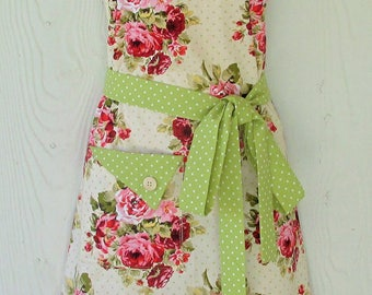 PLUS SIZE Apron, Floral Full Apron, Women's Full Apron, Cottage Chic, Floral Apron, Vintage Style, Cottage Roses, KitschNStyle