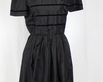 Vintage 1960s / 1970s Black Party Dress with Velvet Ribbon Pattern - Small