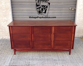Mid Century Dresser,Mid Century Credenza,Mid Century Chest of Drawers,Danish Modern,Media Console,TV Stand,Nursery Changing Table,MCM Chest