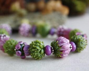 Lampwork thistle bracelet, floral lampwork bracelet, floral glass bracelet, flower jewelry, purple thistle jewelry