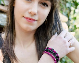 Bracelet wrap 3 turns leather shot glass and black crystal and pink fuchsia Boho jewelry By Dodie