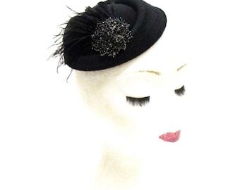 Black Feather Pillbox Hat Headpiece Hair Fascinator Clip Races Vintage 2263