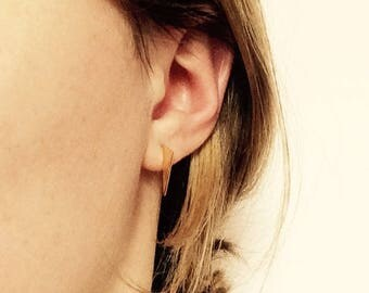 Triangle Earrings with polished Edge // Geometric, edgy Ear Studs // Gold plated Sterling Silver