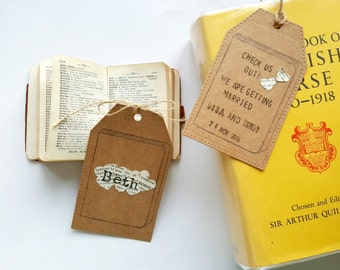 Luggage Tag Place Card, Book Themed Name Card, Book Wedding, Literary Wedding, Book Lover Wedding, Wedding Stationery, Rustic, Vintage Style