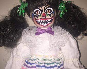 Hand Painted Creepy Clown Porcelain Doll Halloween Prop Decoration, Scary, Undead, Evil Horror Doll, Scary, Dark Art